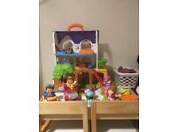 V-Tech Toot Toots House and Accessories