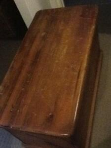 Wood coffee table blanket box Forrestdale Armadale Area Preview