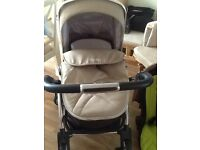 REDUCED -wayfarer 3 in 1 silver cross pram/ carrycot/ car seat with extras