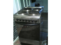 indesit 50cm cooker like new in silver