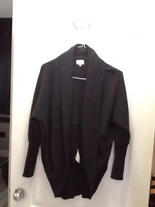 Aritzia WILFRED black sweater size small