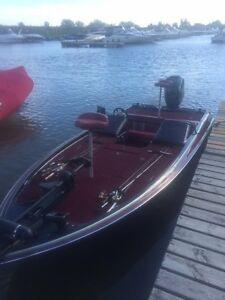Bassboat Gambler Intimidator