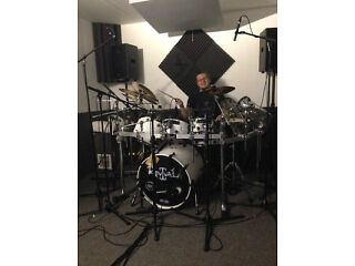 Rehearsal rooms & music supplies in denton for all musicians & artists