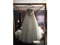 ANNA SORRANO SIZE 14 WEDDING DRESS STRAPLESS BALLGOWN WITH VEIL & UNDERSKIRT