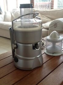 Robust Commercial Juicer and Citrus Juicer, Little Use, Suitable For High Juice Output Applications