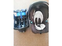 Graco car seat From birth to 13kg (approx 12 months) and isofix base