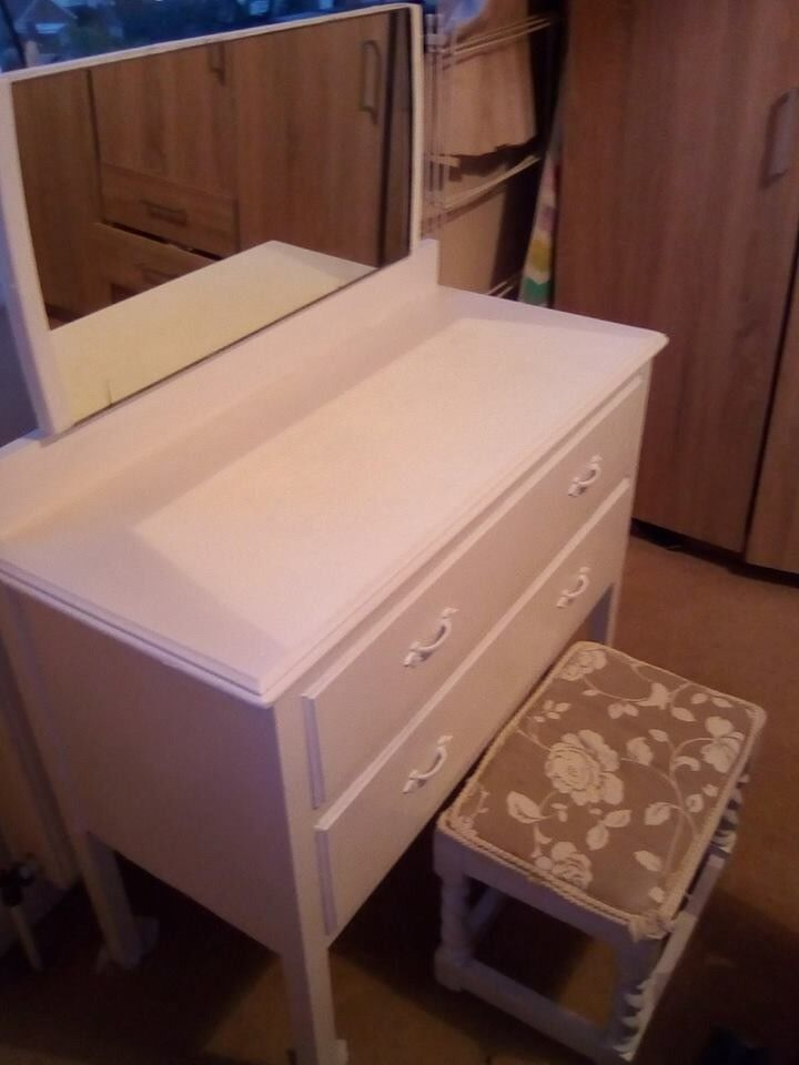 White wooden Dressing Table and Stool Pine