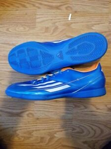 Addidas Indoor soccer shoe