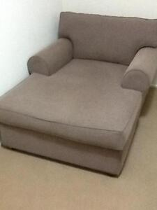 Comfy large single chaise like sofa Tewantin Noosa Area Preview