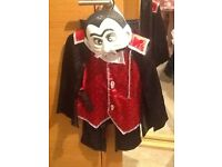 Childs Dracula dressing up costume Age 5-6 Years