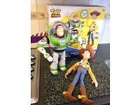 Toy Story Interactive Woody and Buzz Lightyear with box