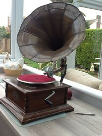 Sound Master Replica Gramophone with 78 RPM Records