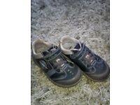 Clark shoes 7.5 f ( light ups