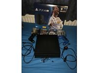 Sony PlayStation 4 Pro Fifa 18 Bundle 1TB Black - 4 Games INCL FIFA 18 + COD WII + 2 controllers!!