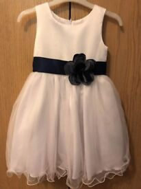 3 bridesmaid dress's aged 4/5/14 All new condition