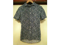 Two Patterned Religion Mens Short Sleeves Shirts- Small