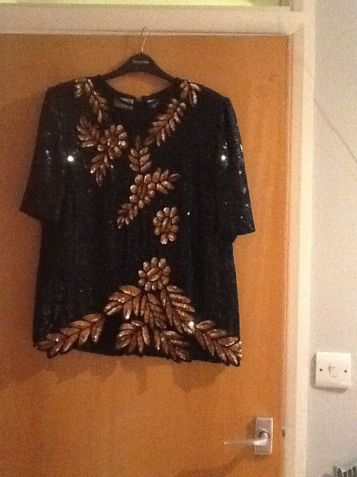Ladies Frank Usher sequinned and beaded evening top size medium in black and gold fully lined