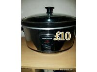 3.5L slow cooker - excellent working order! Offers welcome