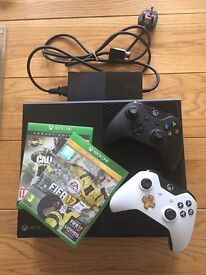 Xbox One 500gb 2 controllers & 2 ganes
