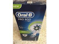 Oral B Pro 600 Rechargeable Electric Toothbrush