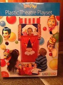 let's play kids plastic puppet theatre with 4 puppets