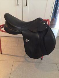 Bates caprilli close contact jumping saddle