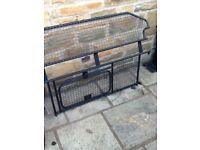 Freelander 2 dog guard / cargo barrier