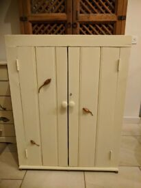3 BLIND mice old rustic cupboard with key 🐁🐁🐁