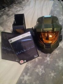Halo 3 master chief helmet with game and bonus disk