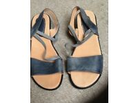 trueform size 8 ladies sandals never worn