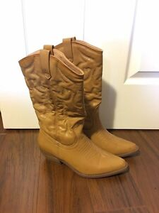 CLOSET CLEANOUT (tops, boots, scrubs, etc.)