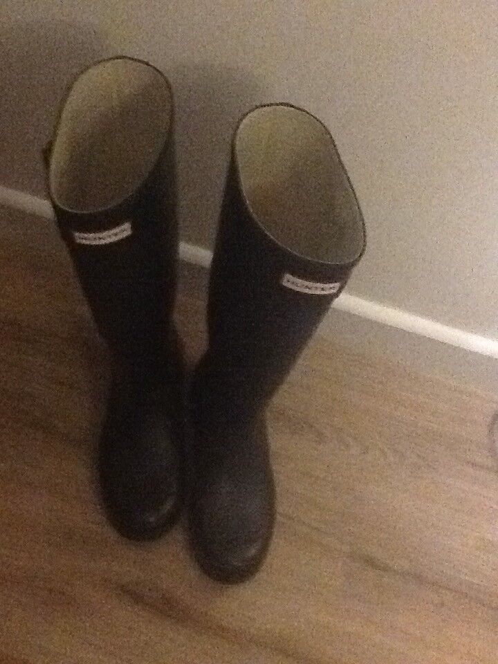 Black hunters Wellingtons size 6 used condition