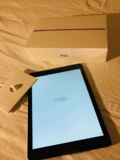 *NEW IN BOX* iPad 32gb WI-FI & Cellular Space grey