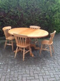 Pine circular table and chairs