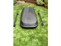 Halfords Car 250 litre roof box, black with roof bars. Approx 132x62x36 cm