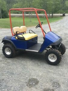 Best cart on Kijiji ! Gas powered ez-go.
