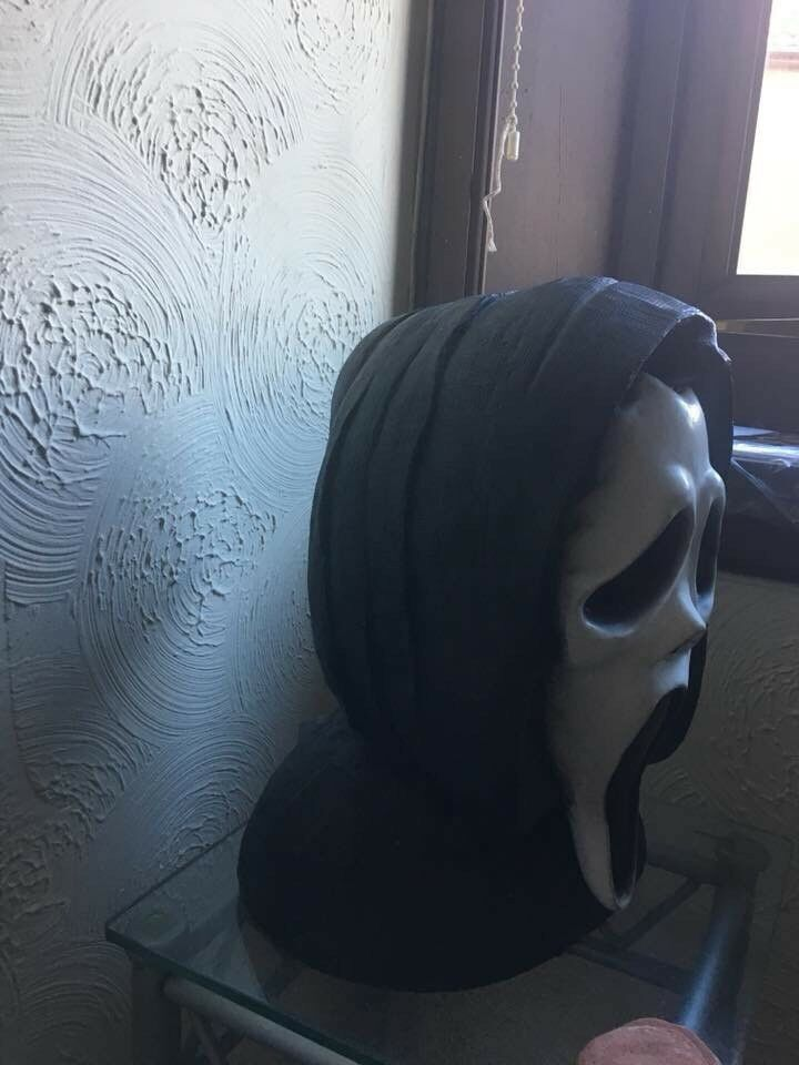 Rare scream ghost face bust