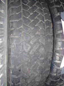 4 pneus d'hiver 195/65/15 Pacemark Snowtrakker, 50% d'usure, 5-7/32 de mesure.