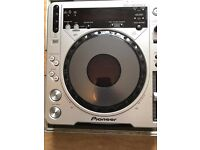 pioneer 800s mk2 with cases in working order