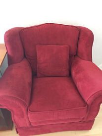 2 PERFECT ARMCHAIRS £20!!!