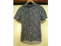 Two Patterned Religion Mens Short Sleeves Shirts - Small