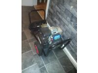 honda power washer2000 psi 6hp like new £230 no offers