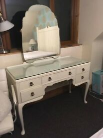 Beautiful Biethcraft dressing table. Painted in off white. Glass table top. Vintage, shabby chic.