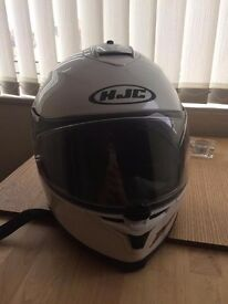 HJC IS-17 - SIZE LARGE. Great condition, with internal sun-visor