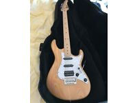 Cort G200DX Electric Guitar in excellent condition. Ash body, maple neck, great quality.