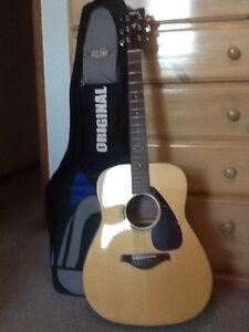 Yamaha acoustic guitar FG700S Lambton Newcastle Area Preview