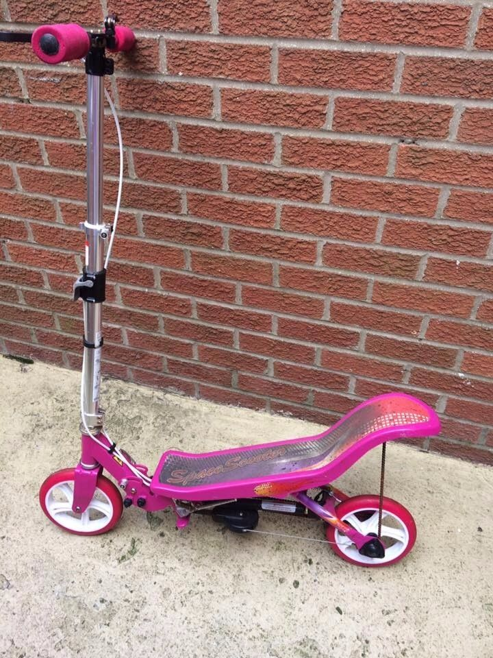 GIRL'S PINK SPACE SCOOTER AGE 8+ £55 OVNO