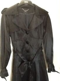 Immaculate Gorgeous black evening trench coat