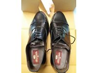 New Clifford James Classic Oxford Men's Real leather shoes, with leather soles. Black, Size 8 1/2