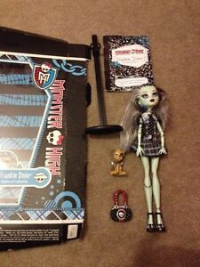 Monster high Cranbourne South Casey Area Preview